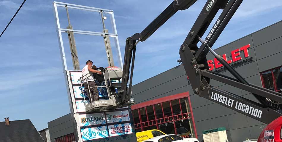 Fabrication et installation de signalétique et totems à Lille