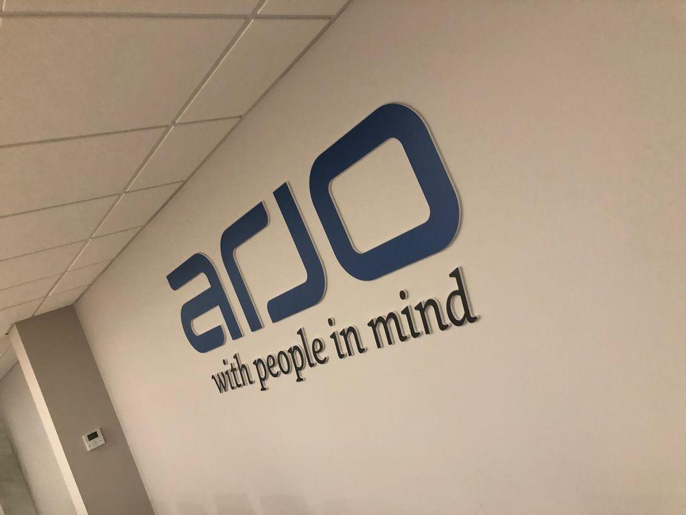 Décoration et agencement par AZCOM'PUB (Roncq)